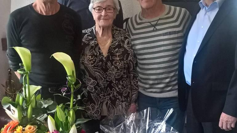 Barbe Marie LANG, doyenne du village, souffle 98 bougies
